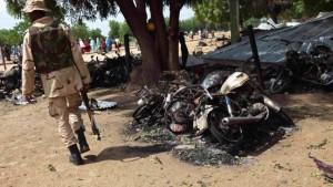 700 Tote bei Kämpfen mit Islamisten