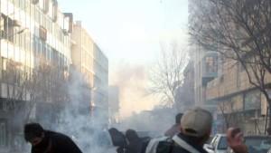 Proteste und Verhaftungen in Teheran