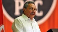 """""""Zwei plus zwei ist immer vier"""": Raúl Castro referiert über Finanzpolitik"""