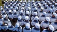 Wehrbeauftragter will Wehrpflicht nicht zurück