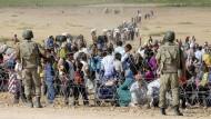45.000 syrische Kurden fliehen in die Türkei
