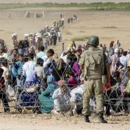 Hier war zunächst kein Durchkommen für die Flüchtlinge aus Syrien: der Stacheldraht bewehrten Grenzzaun der Türkei