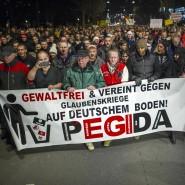 """Sorgen für Streit in der Union: """"Pegida""""-Demonstranten am 15. Dezember in Dresden."""