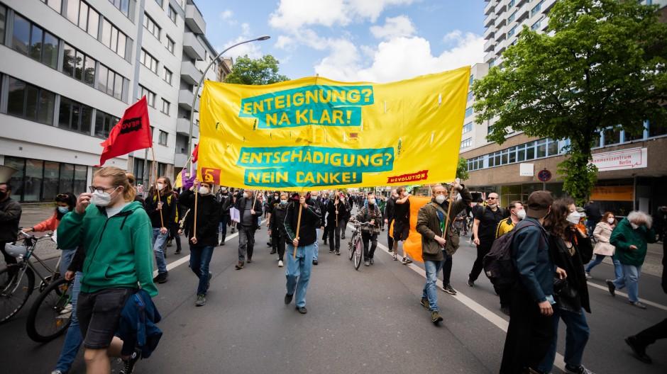 Erst haben sie demonstriert, nun abgestimmt: die Berliner sind mehrheitlich für Wohnungs-Enteignungen.