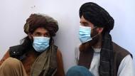 Taliban-Kämpfer nehmen am 3. Juni an einem Erste-Hilfe-Training des Internationalen Roten Kreuzes in der Provinz Ghazni teil