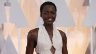 Perlenkleid von Lupita Nyong'o gestohlen