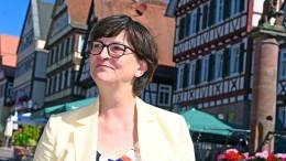 SPD-Chefin jetzt doch gegen Dienstpflicht