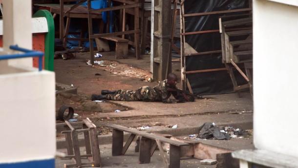Brutaler Kampf um Abidjan
