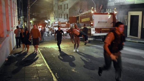 Mehr als 200 Tote bei Brand in Nachtclub