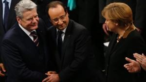 Merkel und Gauck loben Hollande für Mali-Einsatz
