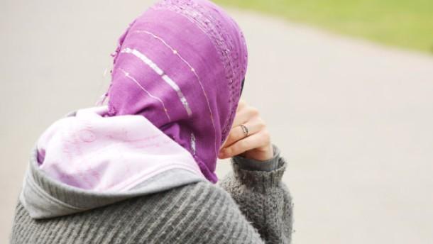 Kabinett billigt Gesetzentwurf gegen Zwangsheirat
