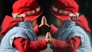 Paare, bei denen ein Partner ein Einzelkind ist, dürfen in China bald ein zweites Kind bekommen