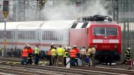 Feuer in IC legt Bahnverkehr lahm