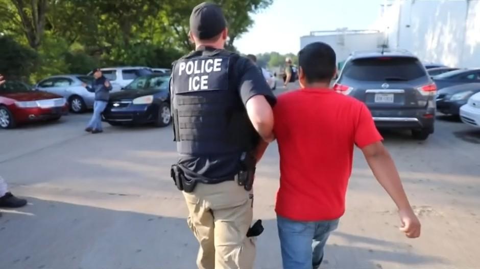 700 Einwanderer festgenommen