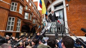 Haftbefehl gegen Assange bleibt bestehen