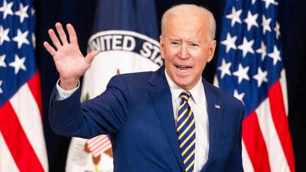 Biden in Trumps Fußstapfen