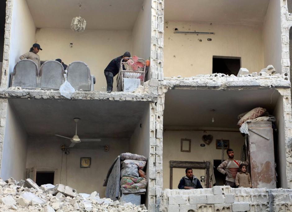 Auf ein Ende des Krieges können die Menschen in den Trümmern von Aleppo kaum hoffen. Um die zweitgrößte Stadt Syriens wird seit 2012 erbittert gekämpft.