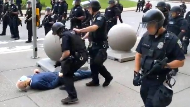 Wie Trump Polizeigewalt rechtfertigt
