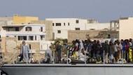 Erneut Tausende Flüchtlinge gerettet