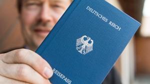 """Wesentlich mehr """"Reichsbürger"""" als angenommen"""