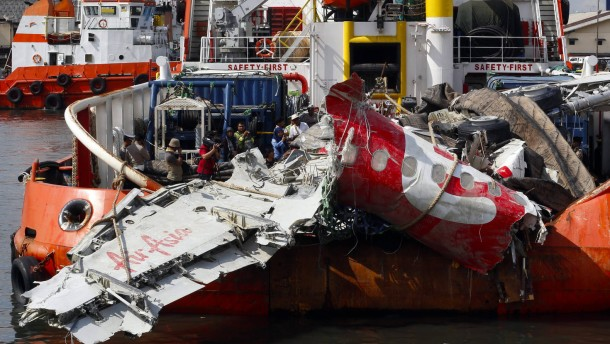 Technischer Defekt ließ Maschine von Air Asia abstürzen