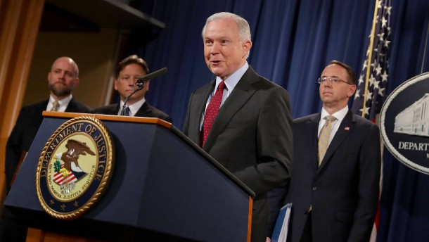 Justizminister Sessions will im Amt bleiben
