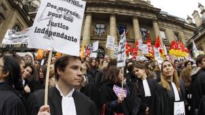 Französische Richter und Politiker im Dauerclinch