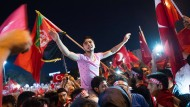 Jubel auf dem Taksim-Platz in der Nacht nach dem gescheiterten Putsch: Für sie ist Erdogan der Größte