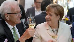 Bereitet Merkel mit Kretschmann Schwarz-Grün vor?