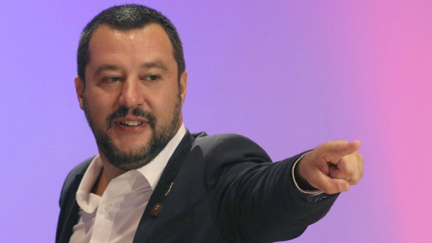 """Streit über Salvinis """"Sklaven""""-Kommentar"""