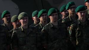 """Die Angst vor einer """"AfD-Wehr"""""""