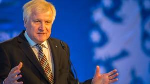 "Seehofer bringt ""nationale Maßnahmen"" in die Diskussion"