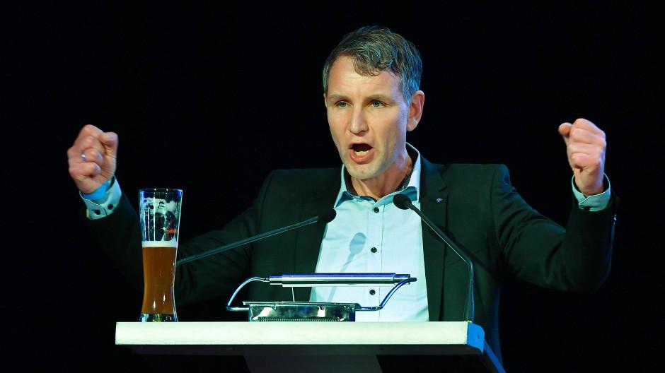 Björn Höcke spricht Anfang März in Arnstadt bei einer Veranstaltung der AfD zum politischen Aschermittwoch.