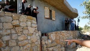 Fünf Palästinenser bei Razzia getötet