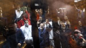 Gericht hebt Todesurteile gegen 149 Islamisten auf