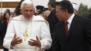 Der Papst beginnt seine Pilgerfahrt