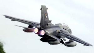 Kabinett beschließt Einsatz deutscher Tornados in Afghanistan