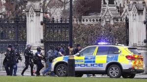 Fünf Tote und zahlreiche Verletzte bei Anschlag in London
