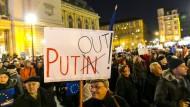 Bürgerprotest in Budapest gegen den Besuch aus Moskau