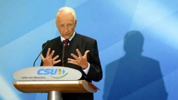 Stoiber fordert harte Strafe gegen Griechenland