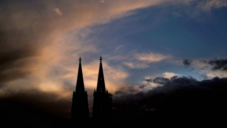 """Die Kirche hat einen guten Magen"" (Goethe, Faust 1, Spaziergang, Mephistopheles)"