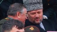Tschetscheniens Präsident Achmed Kadyrow wenige Minuten vor dem Attentat
