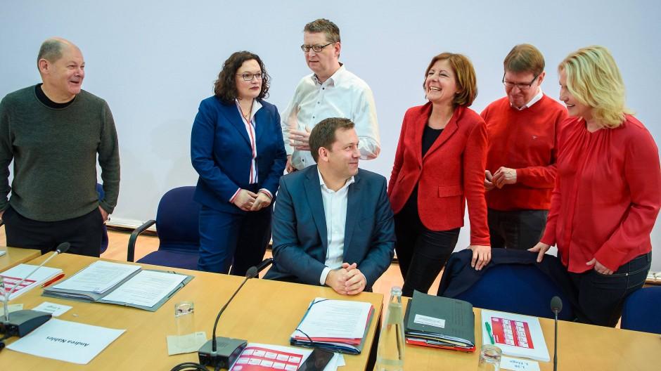 Licht am Ende des Tunnels? Die SPD-Spitze am Sonntag im Willy-Brandt-Haus in Berlin
