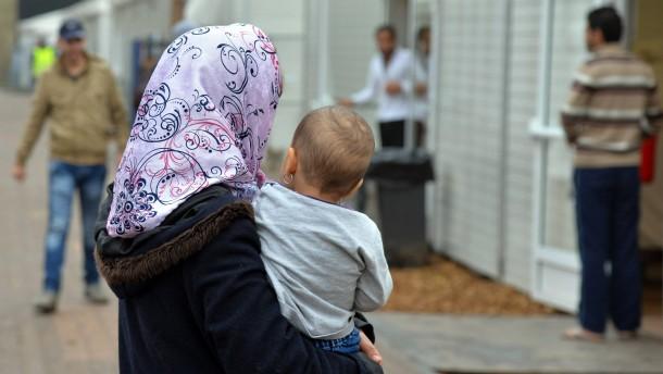 Zahl neu registrierter Flüchtlinge stark gesunken