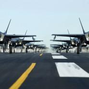 Amerikanische Kampfflugzeuge des Typs F-35A bei einer Parade auf der Hill Air Force Base in Utah