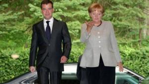 Medwedjew stellt georgische Grenzen infrage