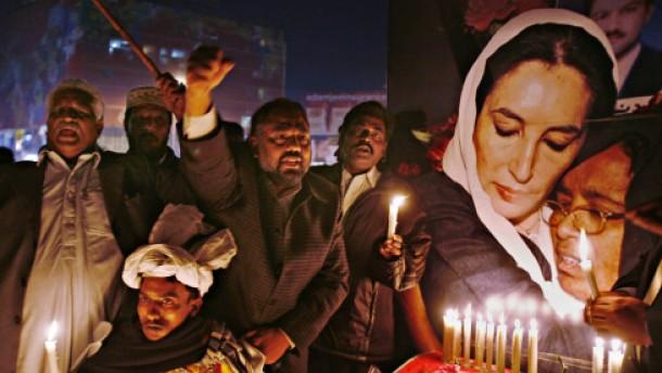 Wer löst den Mordfall Benazir Bhutto?