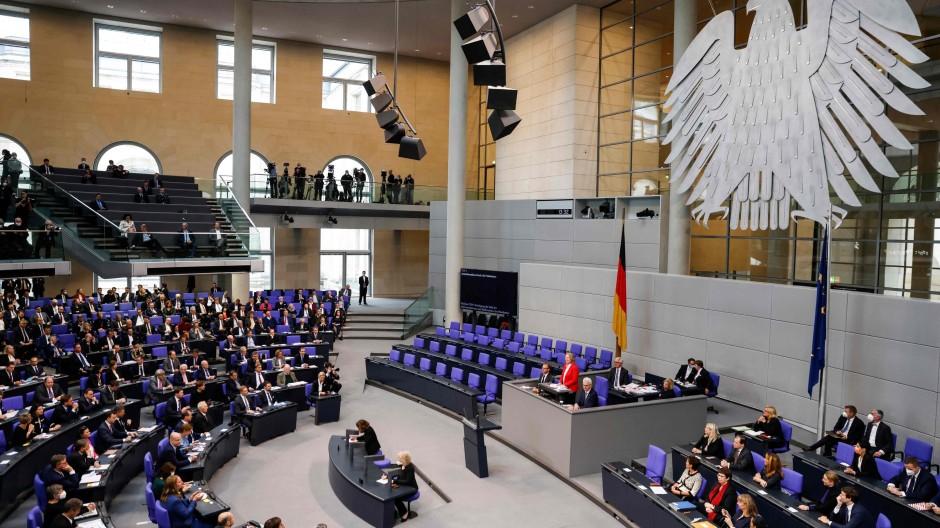 Heute ist der neue Bundestag erstmals zusammen gekommen.