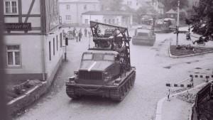 Jeder Panzer eine Faust, die in Bonner Pläne saust