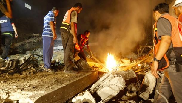 Angehörige von Hamas-Militärchef bei Luftangriff getötet